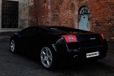 Kokius automobilius vairuoja pokerio žvaigždės? 106