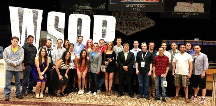 Pokkeriturniire Eestis kannavad reeglina üle vaid paar inimest. See siin on aga PokerNewsi WSOP meediatiim!
