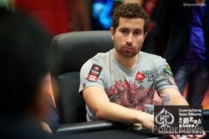 Quebec's 2010 WSOP Champion Jonathan Duhamel leads the field
