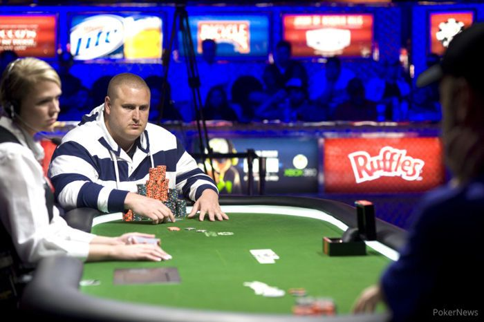 Taylor and Bohn play heads-up for a bracelet