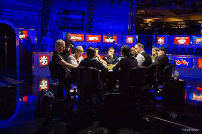 The stacked final table of Event #19
