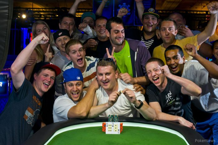 Vladimir Shchmelev and Ben Volpe Claim Gold on Day 30 of 2013 World Series of Poker 101
