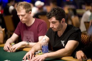 """""""Odd_Oddsen"""" seated next to Phil Galfond at the WSOP."""