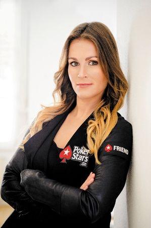 Naujoji PokerStars komandos narė - žavioji Natalie Hof 104