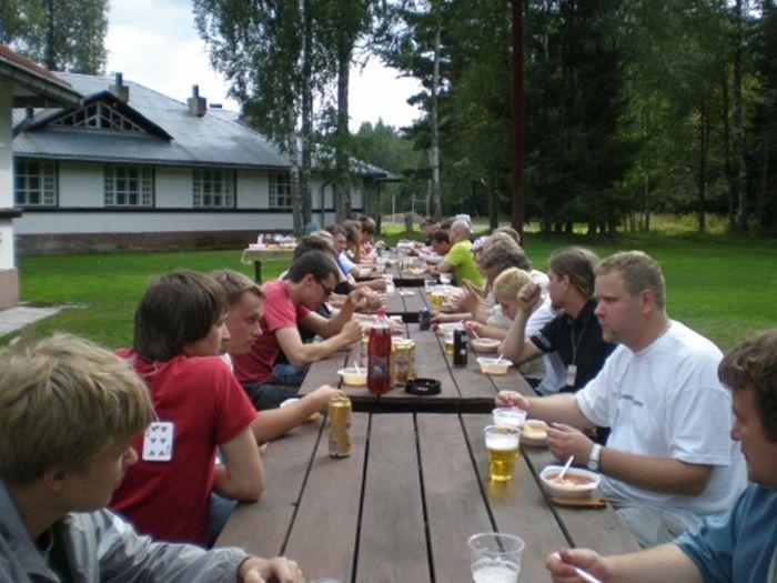 Kõige esimesed PokerNewsi suvepäevad 2007. aastal algasid nagu nüüdki...supi söömisega