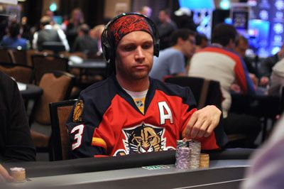 Hanowski finished Day 1a second in chips