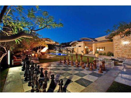 Howardas Ledereris parduoda svajonių namus Las Vegase už 9 milijonus dolerių (Foto) 101