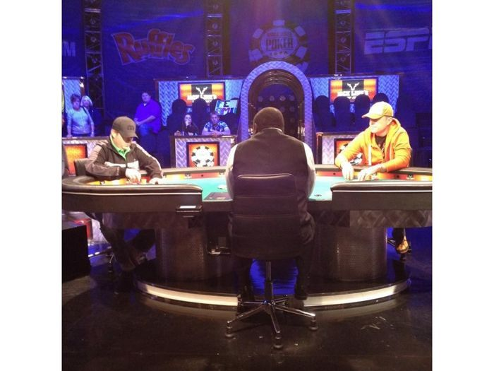 """Wilson (left) and Schultz play for the """"Online 9"""" title (photo c/o WSOP.com)"""