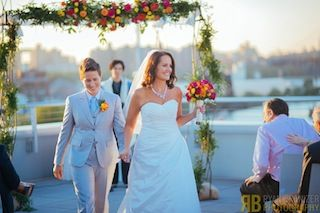 Vanessa and Miranda at their wedding (photo c/o the PokerStars Blog)
