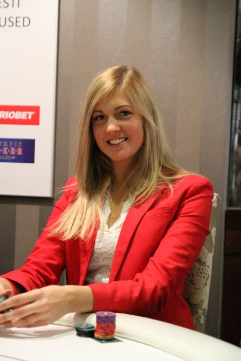Kilkimagnet Liina Tuvi tõi eelmisel aastal ainuüksi läbi otsingumootorite Pokernews.ee lehele üle tuhande inimese. Enamuse sellest aastast on neiu resideerunud aga välismaal.