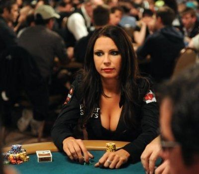 10 gražiausių merginų iš pokerio pasaulio 102