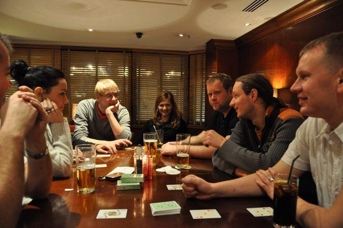 Eesti pokkerifännid Hiina pokkerit mängimas (2010)