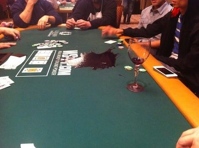 Casino Poker for Beginners: Sharing Space, or How to Sit at a Poker Table 102
