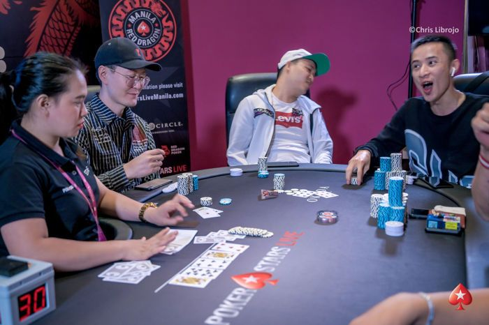 Phachara Wongwichit bubbles the Super High Roller