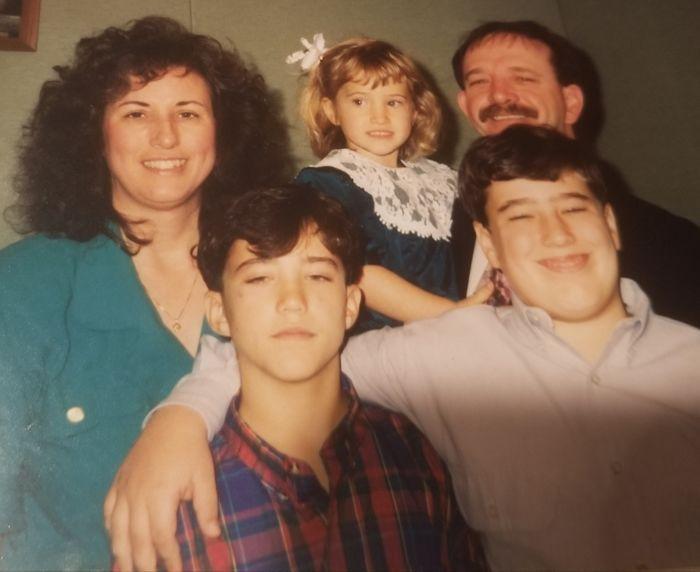 Joseph Hebert dan keluarganya tumbuh dewasa.