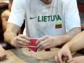 Lietuvos rinktinės krepšininkai mėgavosi sportiniu pokeriu 111