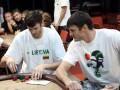 Lietuvos rinktinės krepšininkai mėgavosi sportiniu pokeriu 105