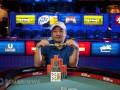 2012 WSOP: Další den v obrazech 105
