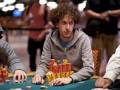 2012 WSOP: Další den v obrazech 106