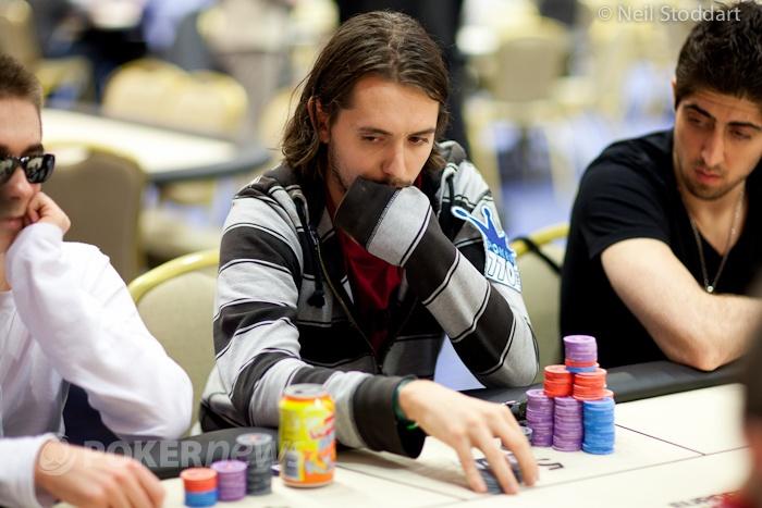 PokerStars.com EPT Loutraki - De Visscher en Van Riet met goede stacks naar dag 3
