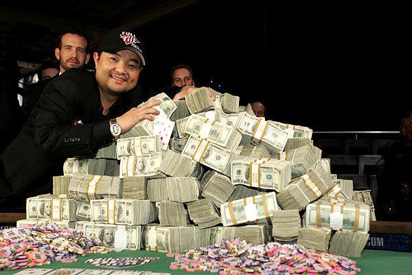 PokerNews Boulevard: Jerry Yang's bracelet te koop, schreeuwende geiten en een nieuw pokernetwerk