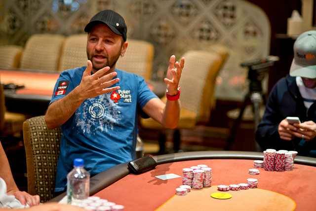 2013 wpt championship day 5 negreanu bubbles final table rheem and lindgren lead pokernews - Coca cola championship table ...