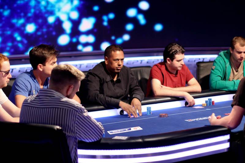 PokerStars.com EPT Barcelona dag 4: Feenstra en Bhaggoe bij de laatste 24