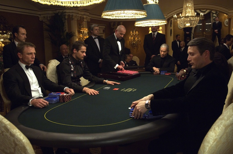 Видео как в казино рояль занимаются сксом фото 297-343