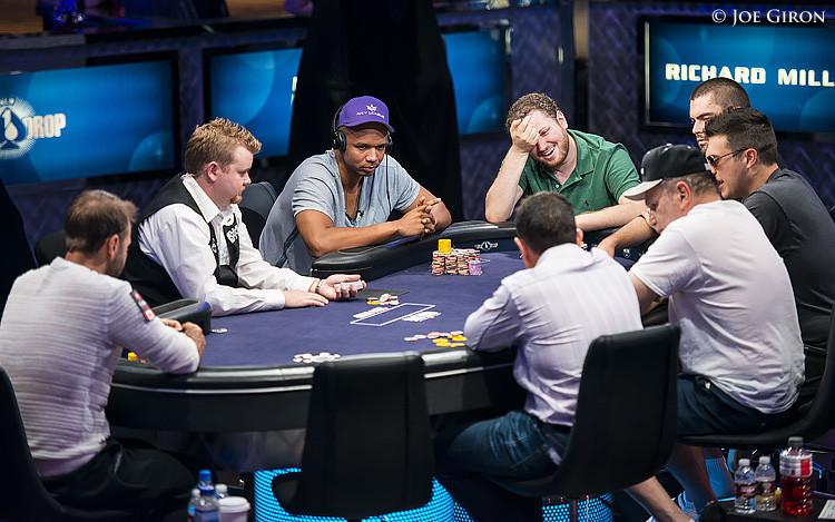 игра на кэш покер