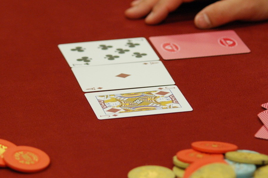 Alec Torellis Hands How To Play A Flush Draw