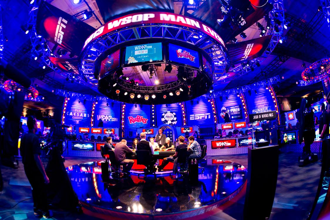 [VIDEO] World Series of Poker 2015 Main Event - Aflevering 1 tot en met 16