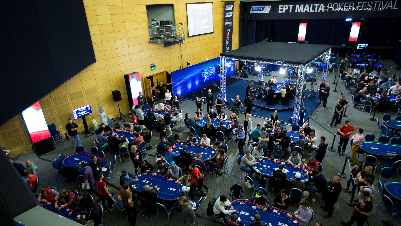 Poker tournament hints
