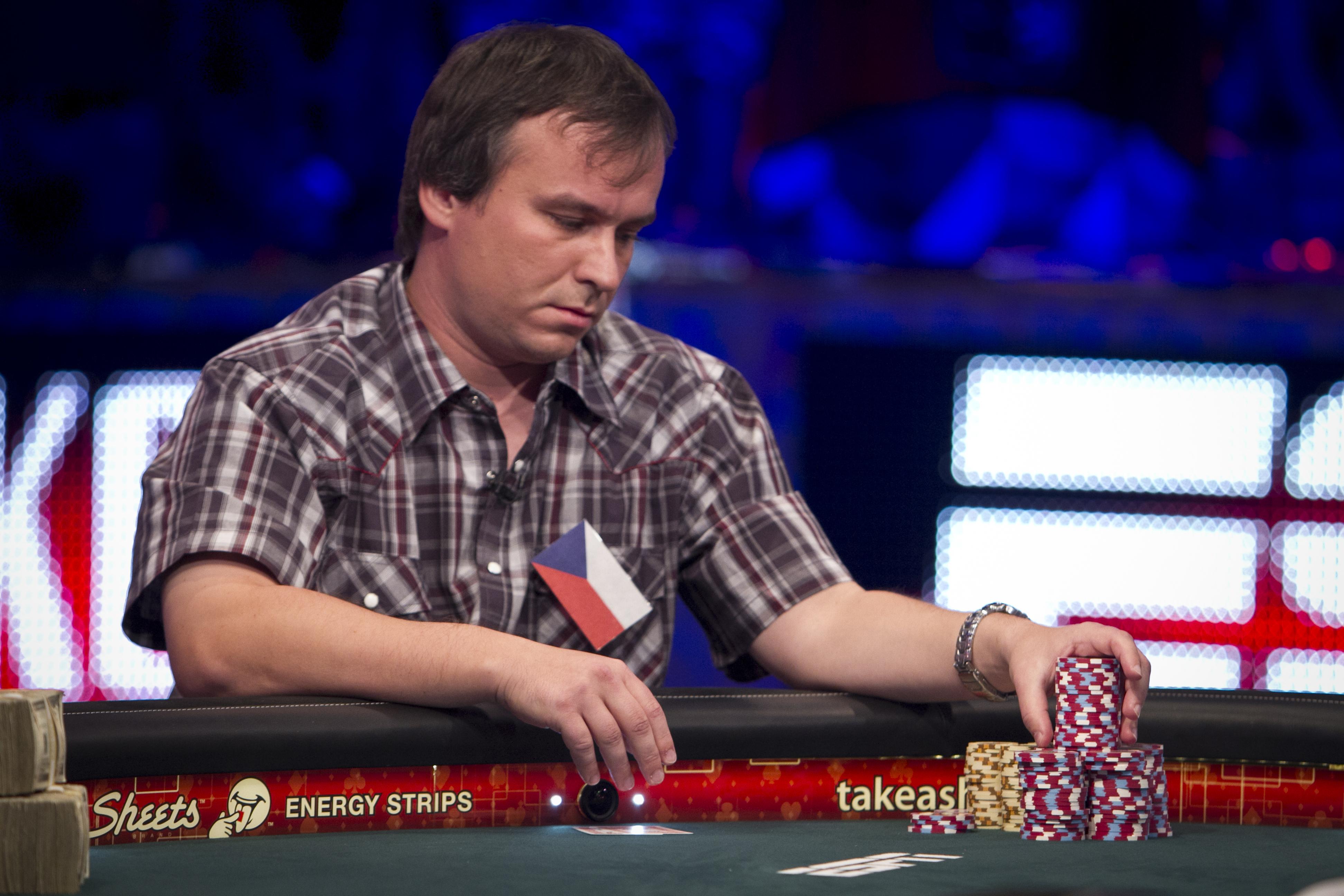 rules of poker betting tells