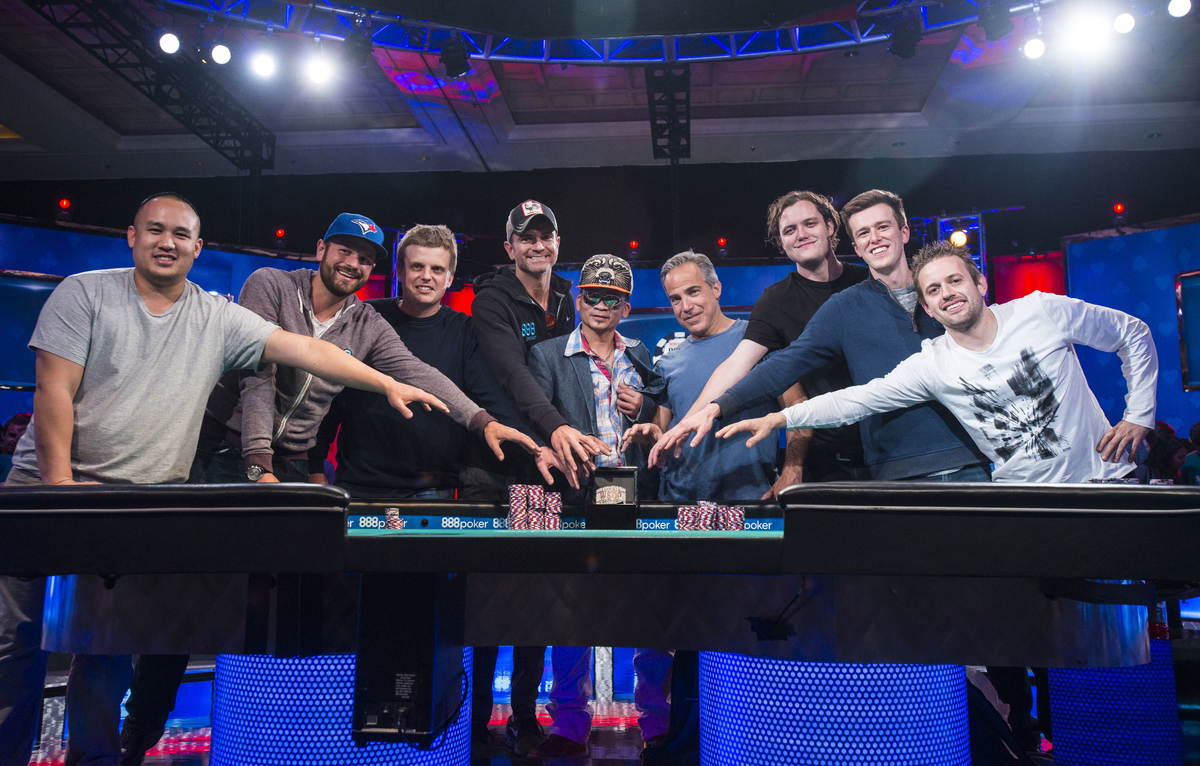 2016 World Series Of Poker Main Event Final Table Set