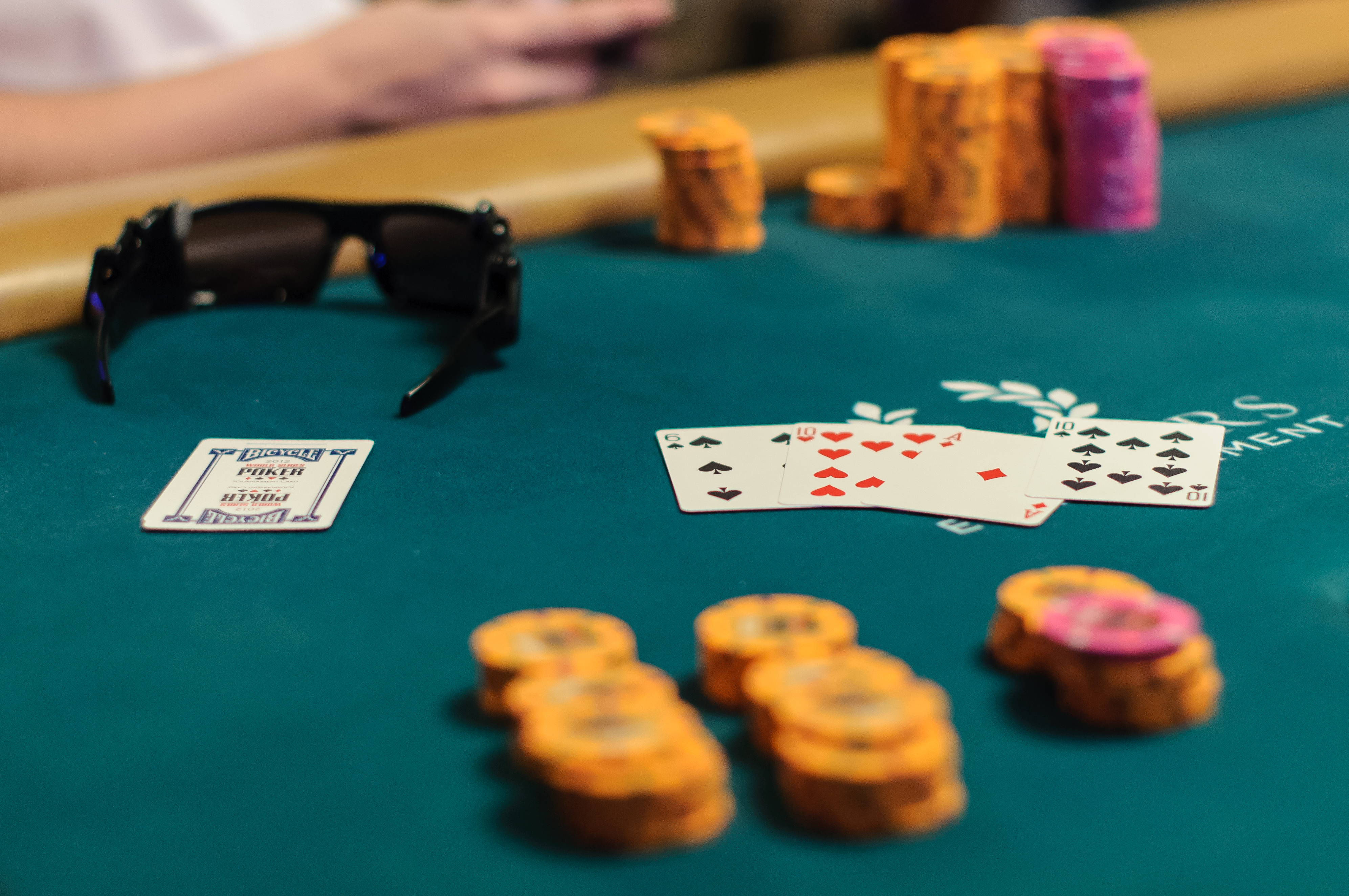 Five Key Differences Between Pot-Limit Omaha and No-Limit Hold'em |  PokerNews