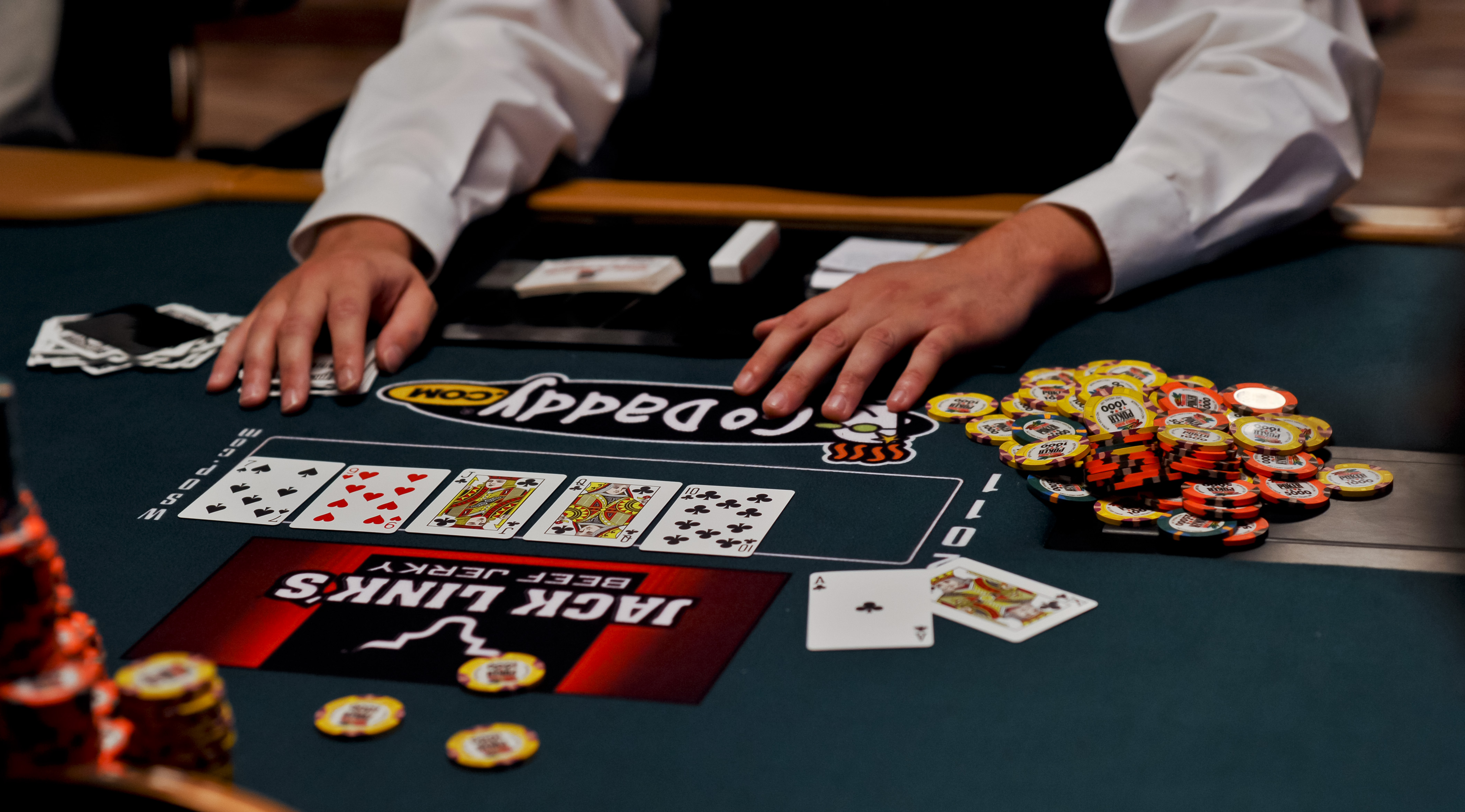 Do suits matter in poker derby lane poker twitter