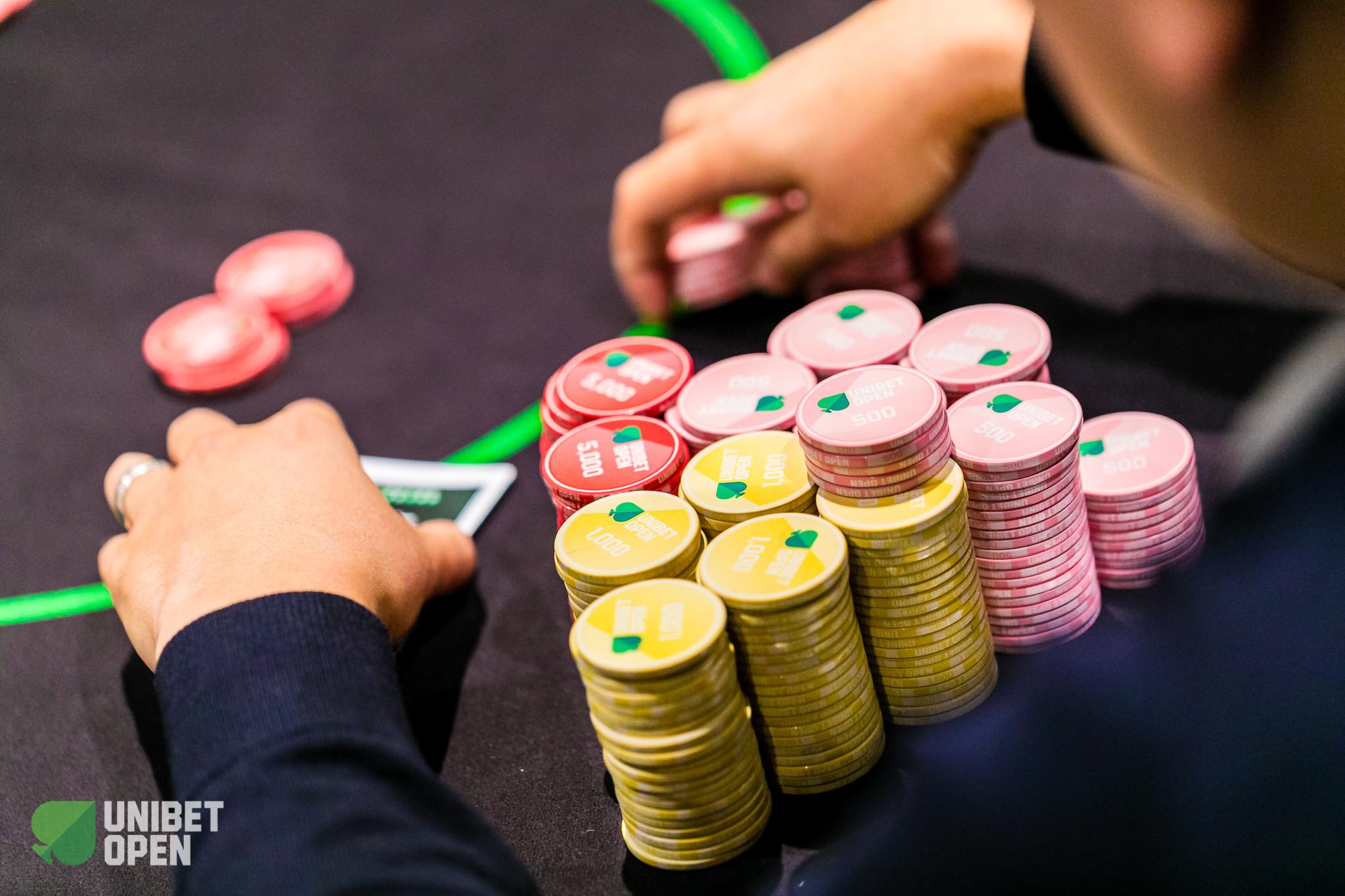Live poker tournaments england