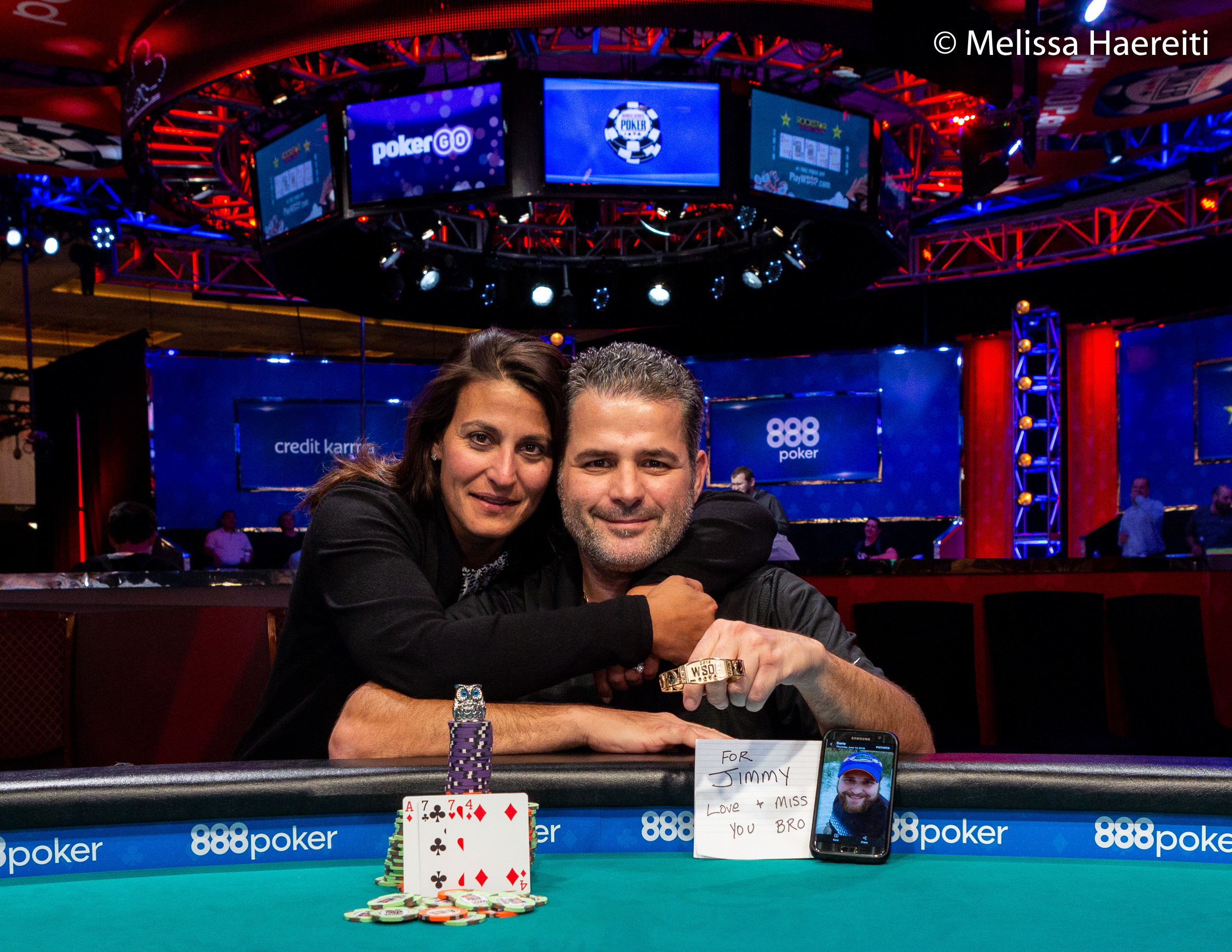 wsop filippos stavrakis gagne un bracelet pour son fr re finale pour le fran ais pascal. Black Bedroom Furniture Sets. Home Design Ideas