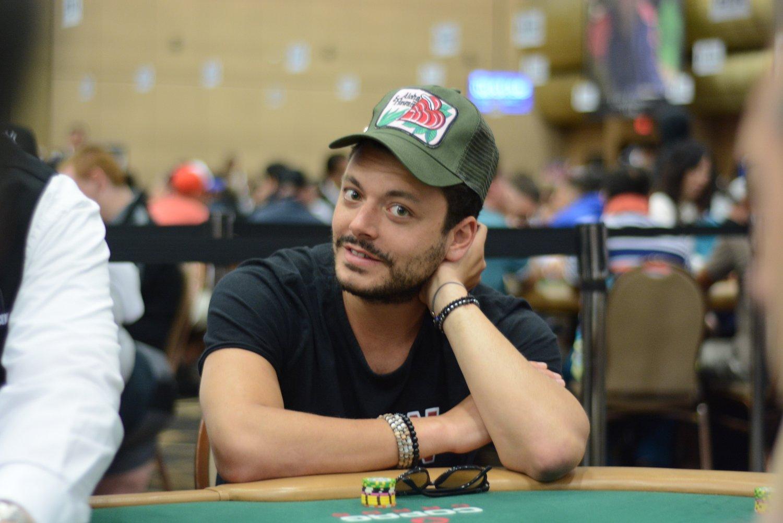 Kev Adams à Las Vegas pour les WSOP 0001