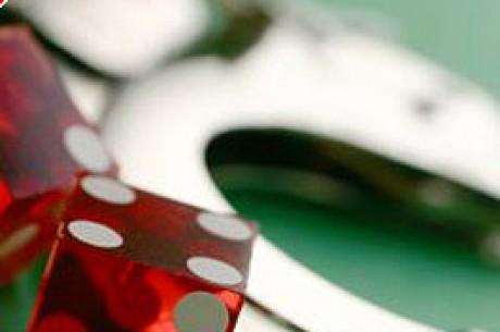 Pokerklubb i Toronto ranet, skudd avfyrt i politijakt