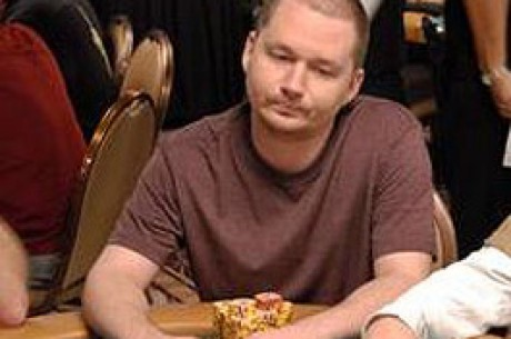 WSOP Update, Event 43 – Chipleader Rounds Feeling Peachy as Ahmad, Pechie Chase