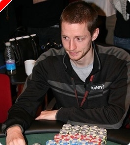 PokerStars EPT Copenhagen, Ден 2: Nielsen Води с Малка Преднина
