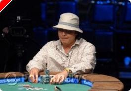 Matt Keikoan vinner øvelse #7 av WSOP 2008.