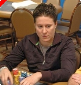 WSOP 2008 Turniej #19, $1,500 PLO, Dzień 2: Selbst Powiększa Prowadzenie