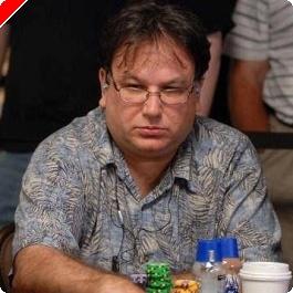 2008 WSOP $10,000 NLHE Main Event Ден 1B: Ben Sarnoff Начело – Груди...