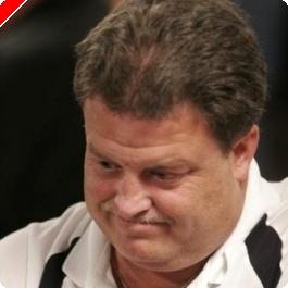 WSOP 2008, $10,000 NLHE Main event den 1A: Mark Garner vede
