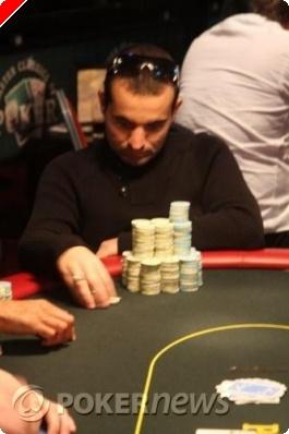 Raúl Páez en la mesa final del torneo de Omaha en Amsterdam