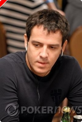 Poker Fashion Flash: Carlos Mortensen