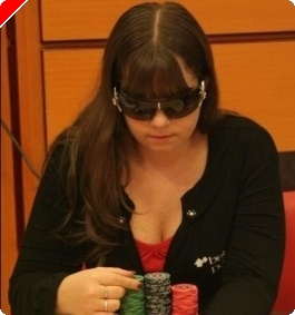 Betfairproffen Annette Obrestad blogger hos PokerNews