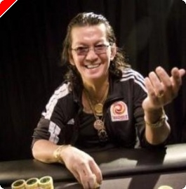 Scotty Nguyen signerer på med Expekt Poker